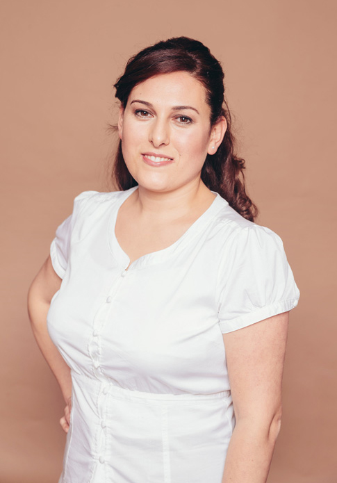Esma Kilicarslan - dentists for implantology, oral surgery, periodontology, aesthetic dentistry and phobic patients in dental practice Frankfurt Höchst