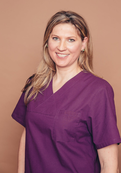 Jolanta Leonardi - dentists for implantology, oral surgery, periodontology, aesthetic dentistry and phobic patients in dental practice Frankfurt Höchst