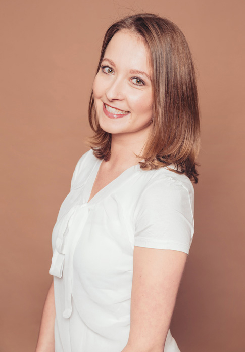 Pamela Himmel - dentists for implantology, oral surgery, periodontology, aesthetic dentistry and phobic patients in dental practice Frankfurt Höchst